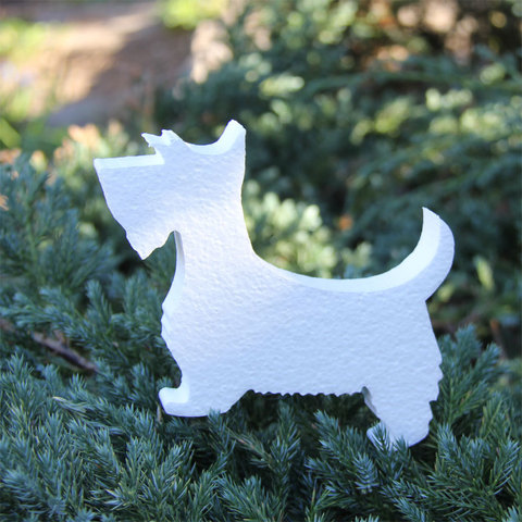 Фигурка собаки из пенопласта