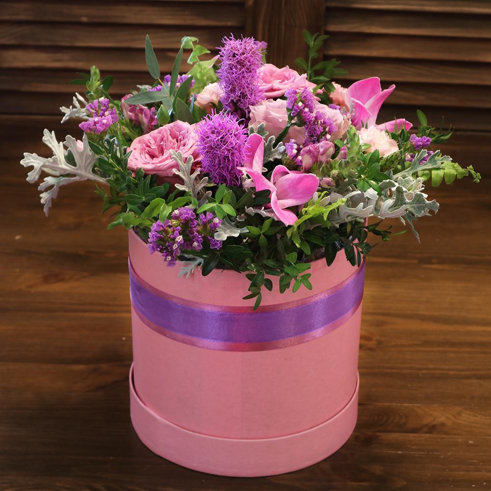Купить букет в розовой шляпной коробке Пермь