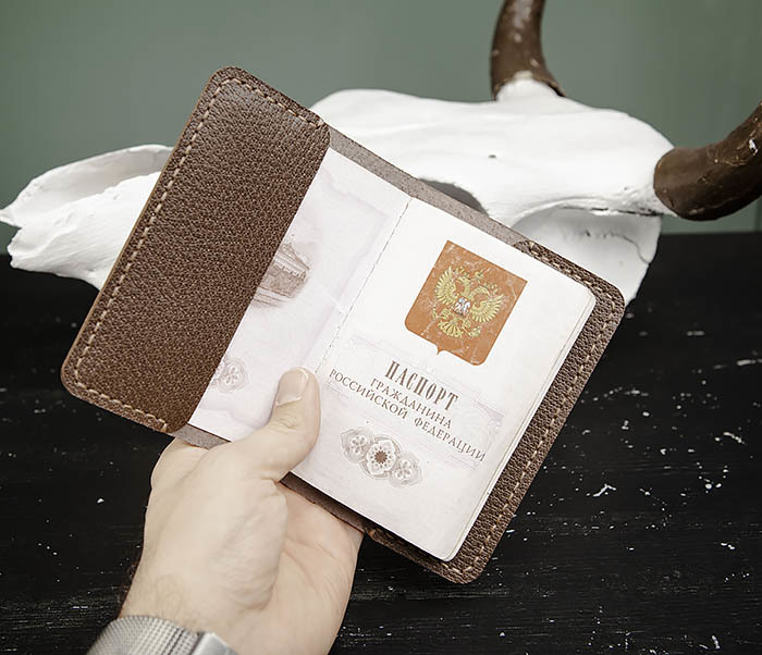 WB174 Мужская обложка на паспорт ручной работы фото 07