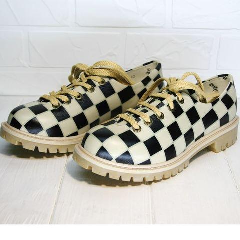 Smart casual женские стильные туфли на низком каблуке. Женские туфли с шахматным принтом Goby CC