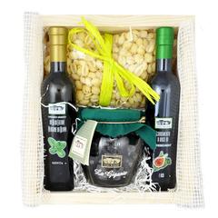 Набор продуктов Speciale в деревянном ящике