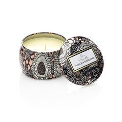 Ароматическая свеча Voluspa Гардения Первая любовь в декоративной банке