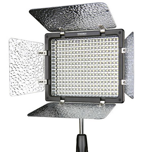 Накамерный свет Yongnuo YN-300 III LED 3200-5500K