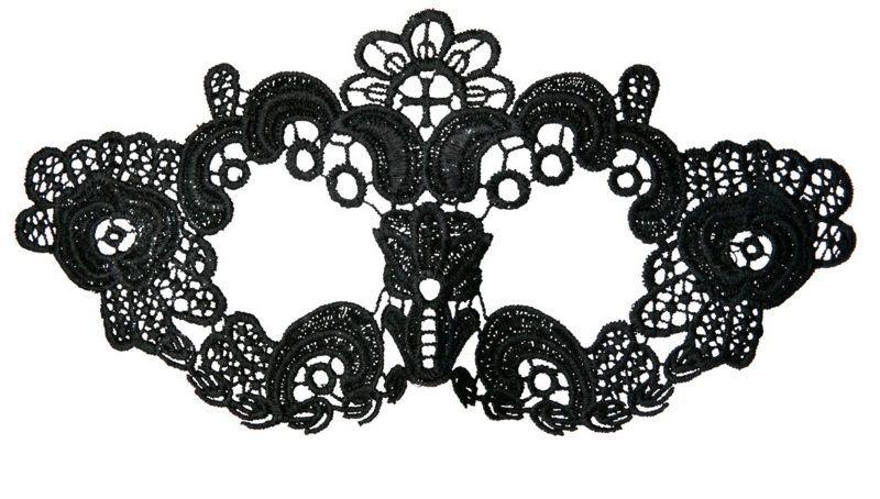 Перчатки и аксессуары: Нитяная маска с цветами