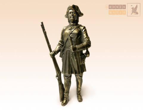 статуэтка Петр 1 с ружьем
