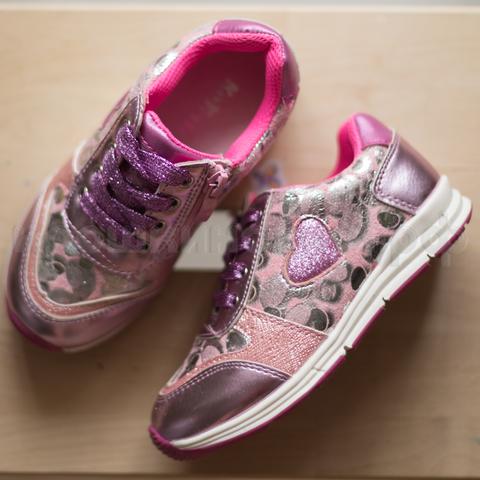 Кроссовки розовые сердца