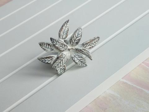 Ручка мебельная металлическая - цветок белый, арт. 000821