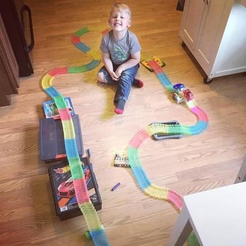 Magic Tracks  - Большая гибкая гоночная трасса + Мост (360 дет.)