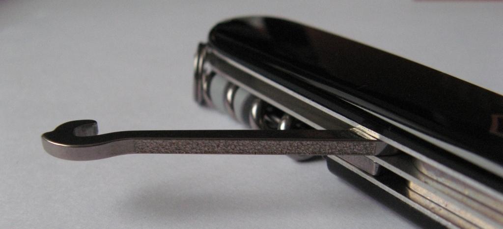 Нож Victorinox Compact, 91 мм, 15 функций, черный