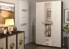 Шкаф трех створчатый с ящиками и зеркалом