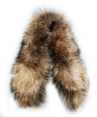 Опушка меховая на капюшон из натурального меха енот 80см.