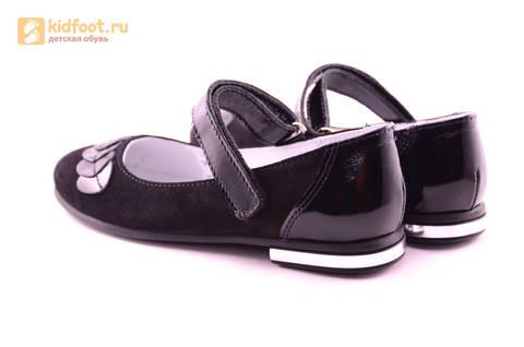 Туфли для девочек из натуральной кожи и велюра на липучке Лель (LEL), цвет черный. Изображение 7 из 17.