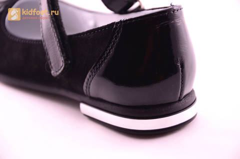 Туфли для девочек из натуральной кожи и велюра на липучке Лель (LEL), цвет черный. Изображение 13 из 17.