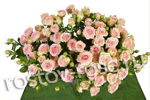 Букет кустовых роз Прана