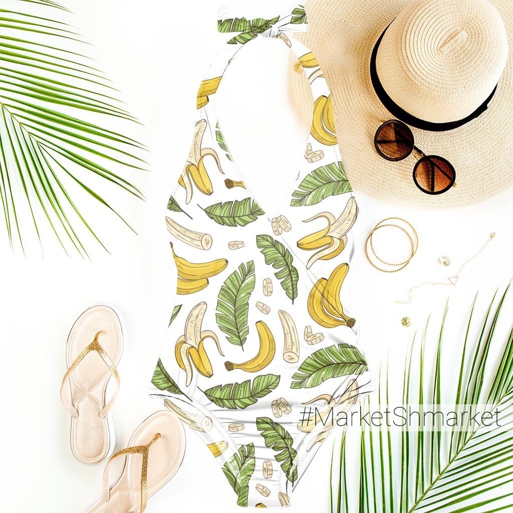 Бананы и пальмовые листья