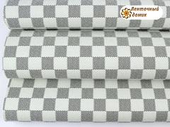 Кожа в бело-серый квадрат