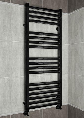 Greta Black - черный полотенцесушитель с квадратными вертикалями.