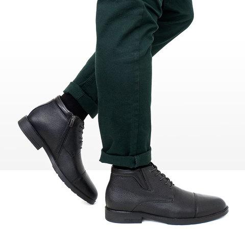 Мужские классические ботинки с зелеными брюками