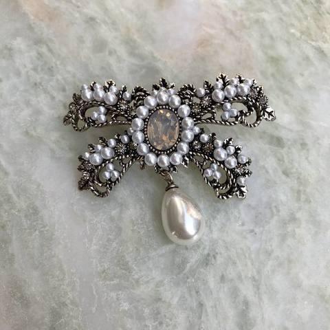 Брошь Корона, серебряный цвет