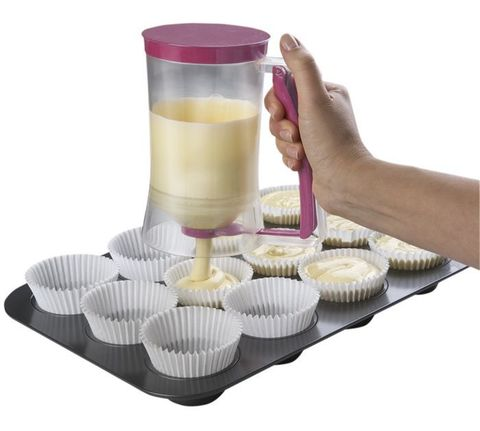 Дозатор для жидкого теста Batter сохранит ваши руки, стол и плиту в...