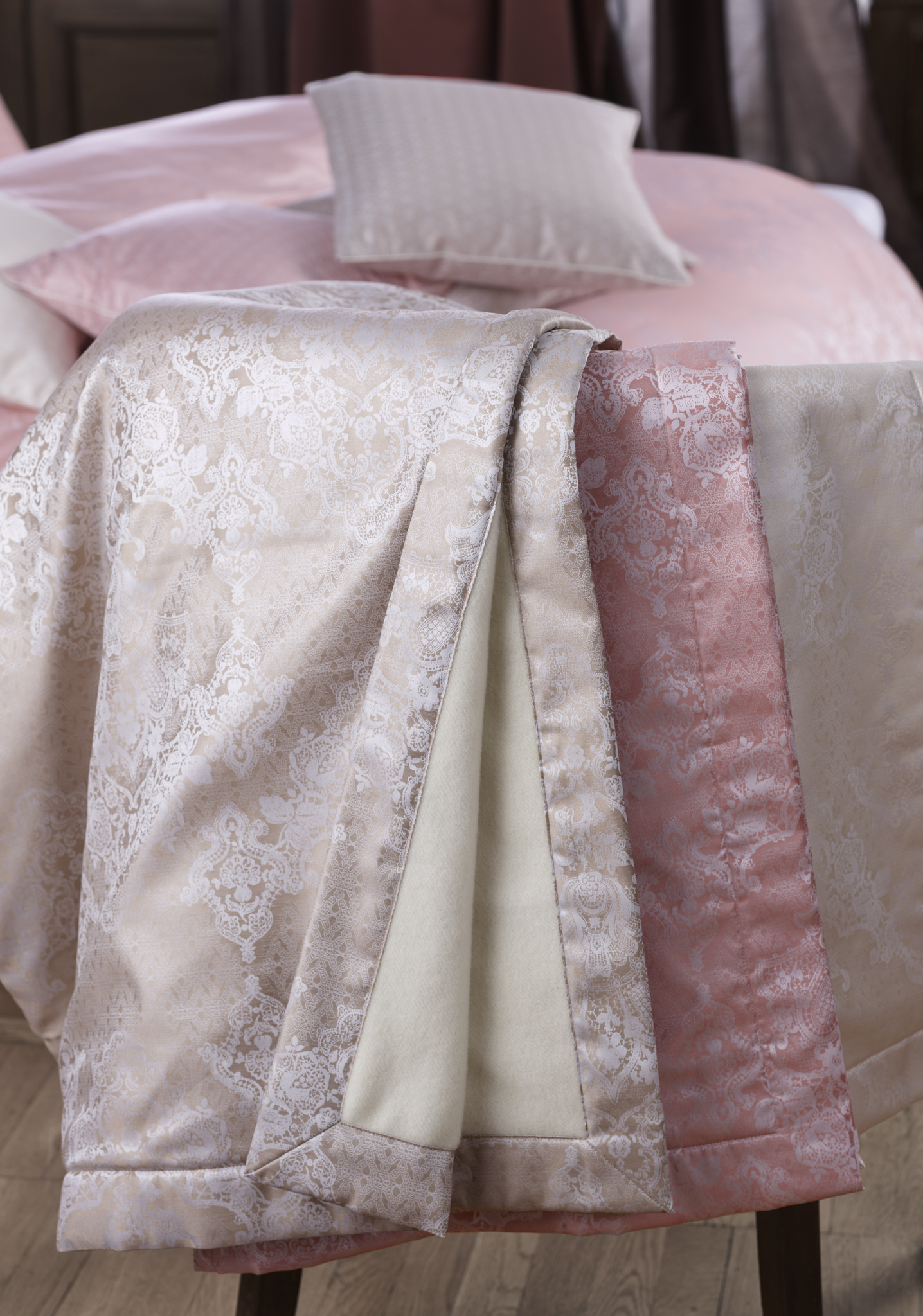 Элитный плед Juliette розовый от Curt Bauer