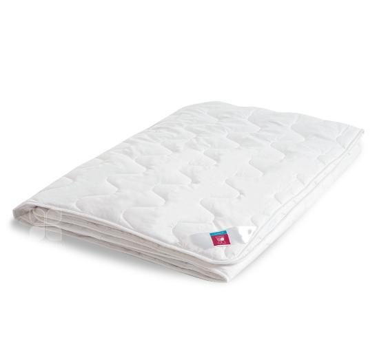 Одеяла и Подушки Одеяло Коллекции  Лель  в хлопке искусственный  лебяжий пух Легкое одеяло_лель_легк.jpg
