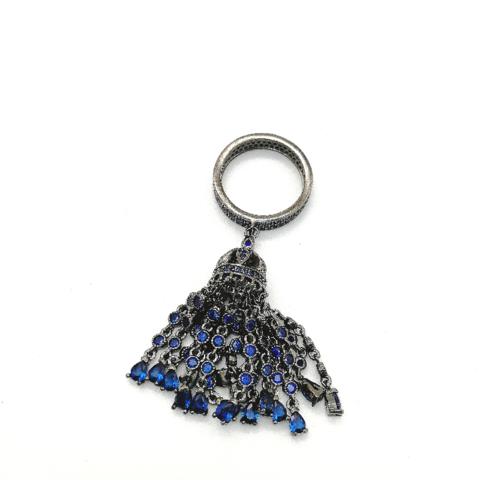 Кольцо-кисть из серебра с сапфировыми цирконами