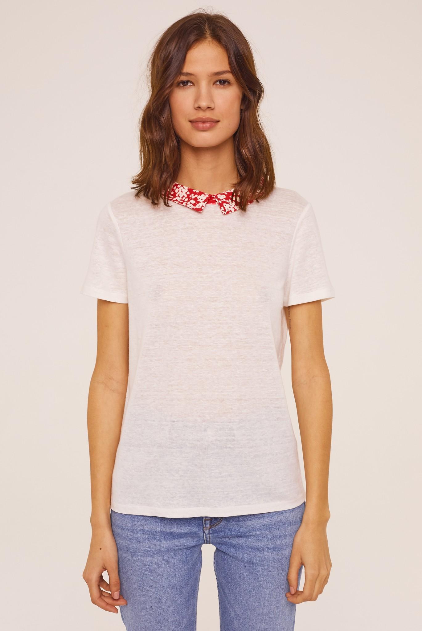 Классическая футболка с оригинальным воротником