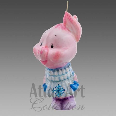 Свин в свитере