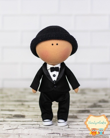 Лялька хлопчик Кевін. Колекція La Petite.