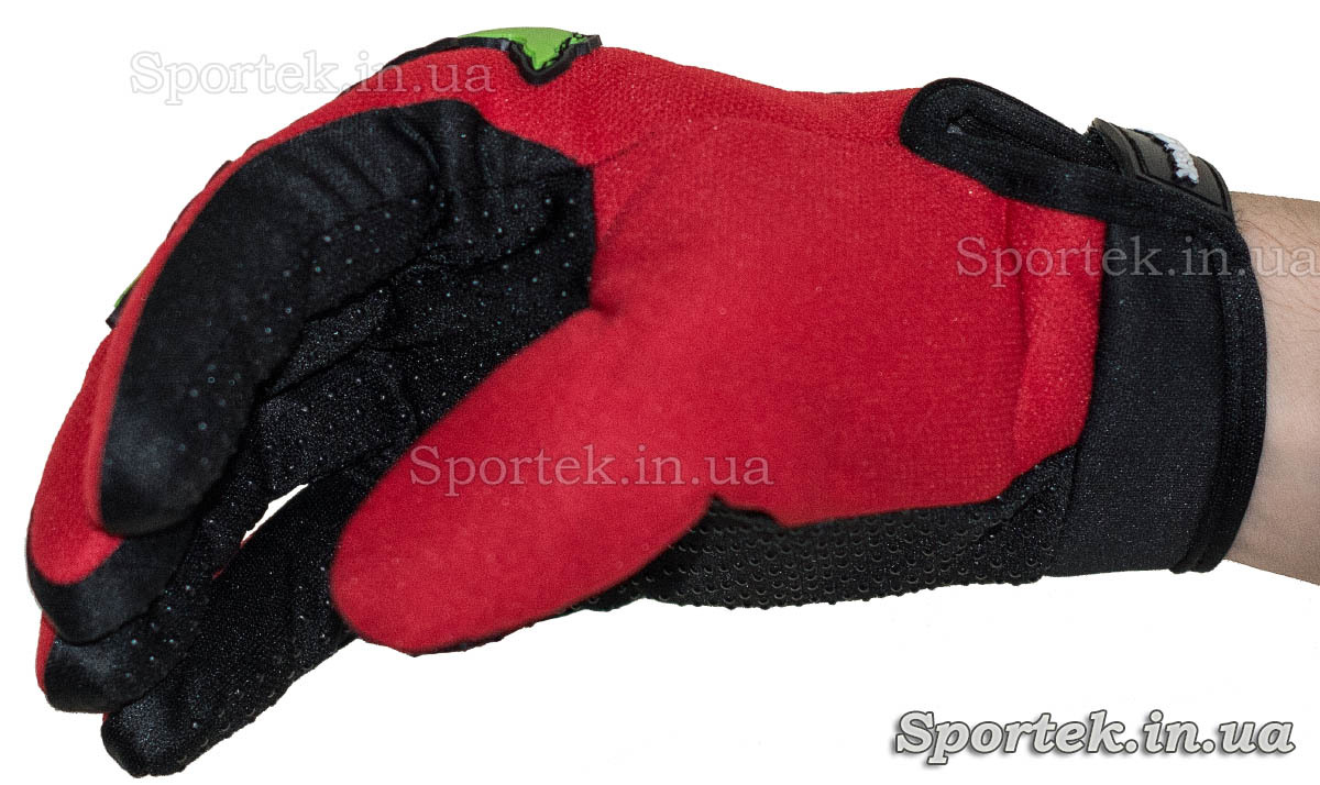 Перчатки для велосипедистов и мотоциклистов - на руке (вид сбоку)