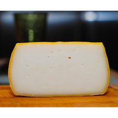 Козий сыр полутвердый
