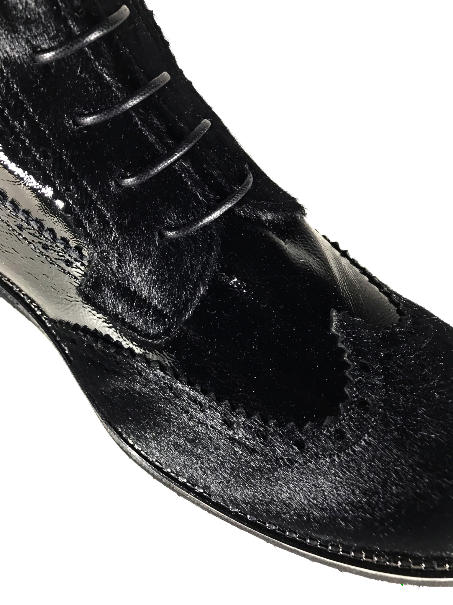 Ботинки Laura Bellariva, артикул 5516, сезон зима, цвет чёрный, материал кожа наплак, мех каваллино, цена 18 500 руб., veroitaly.ru