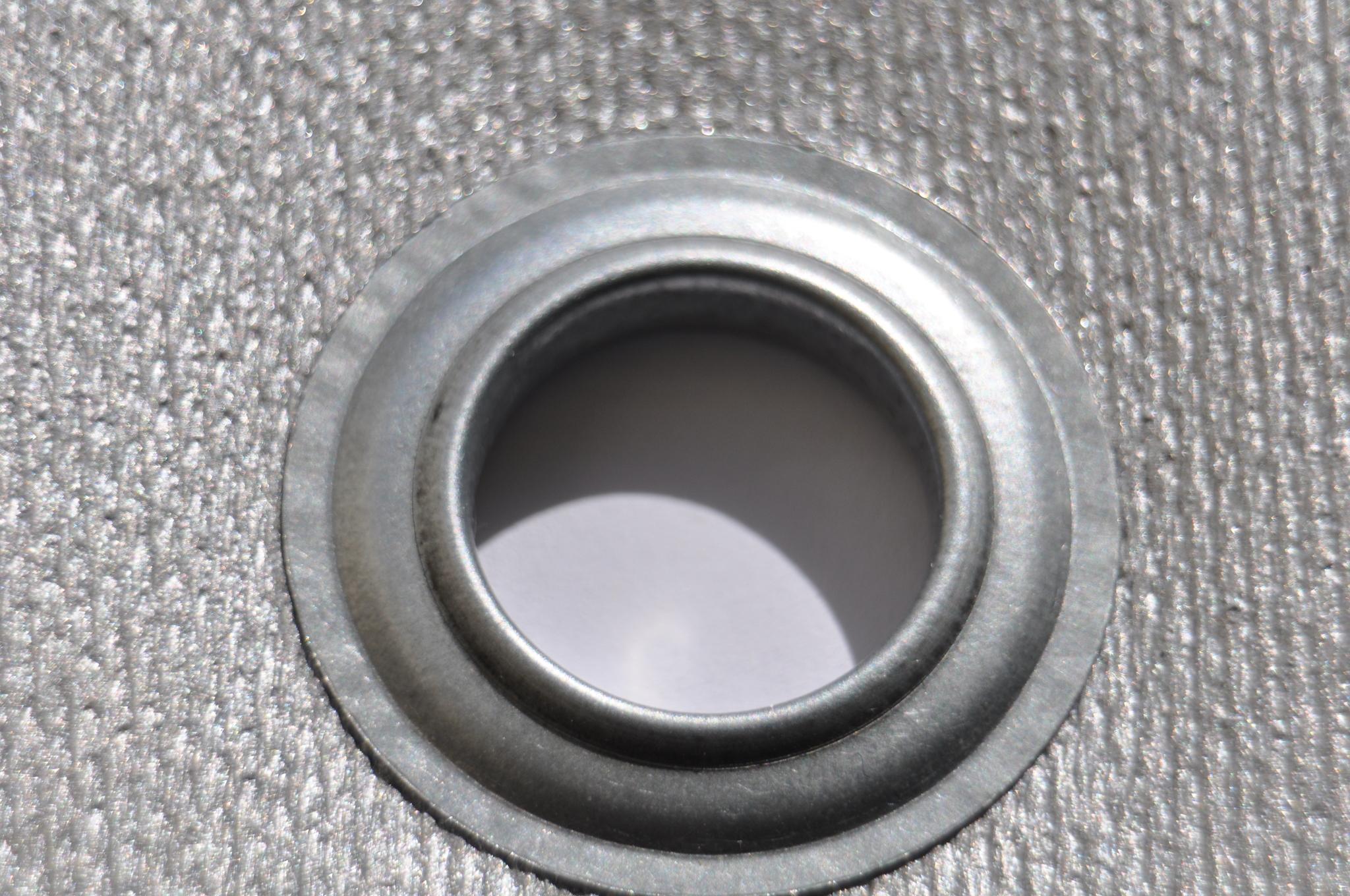 Пример применения кремнеземной ткани с ПУ пропиткой (люверс для противопожарной шторы)