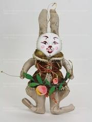 Кролик в жилете