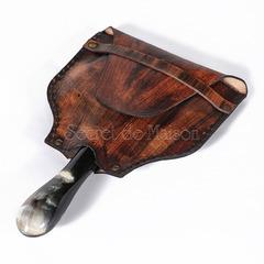 Увеличительное стекло с кожаным футляром Secret De Maison  (mod. 43747) — античная медь