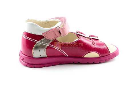 Босоножки Тотто из натуральной кожи с открытым носом для девочек, цвет малиновый розовый. Изображение 4 из 12.