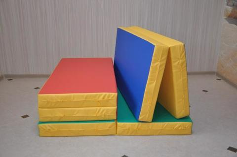 Мат гимнастический 1х1х0,1м, (в 2 сложения) поролон, искуственная кожа