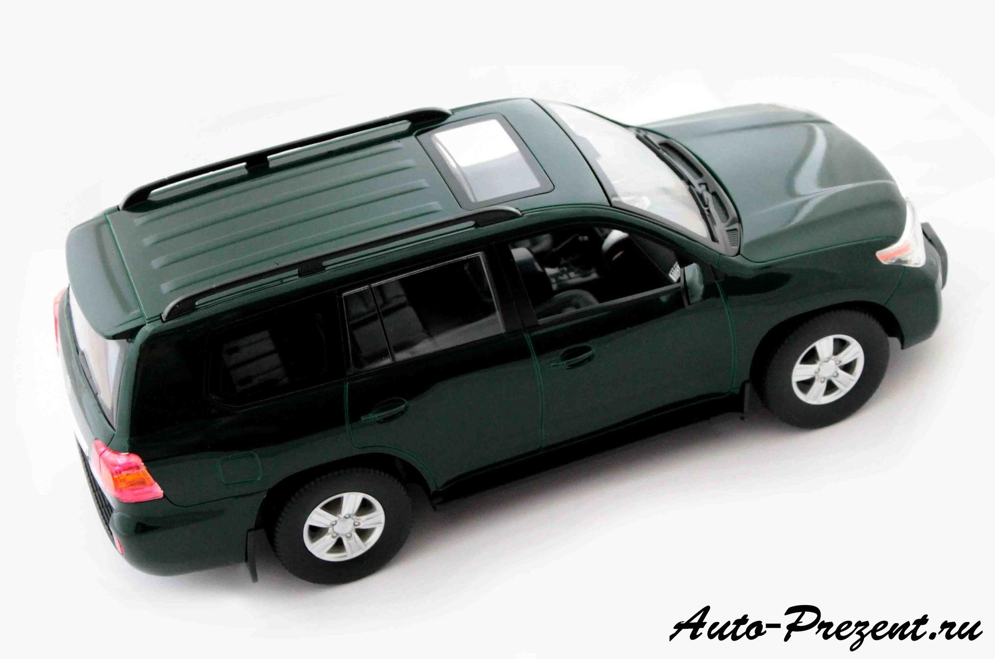 Машинка Toyota Land Cruiser 200 на радиоуправлении