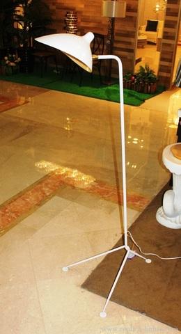 replica  Serge Mouille floor lamp ( white )