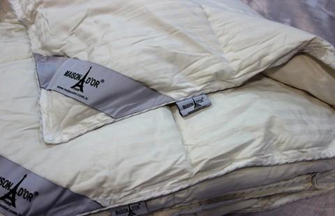 Одеяло пуховое 4 сезона на кнопках (лето-зима) ДАБЛ КАЗ  Maison Dor