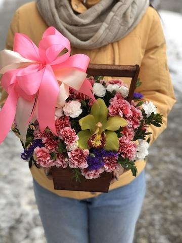 Цветы в деревянном ящике #1620