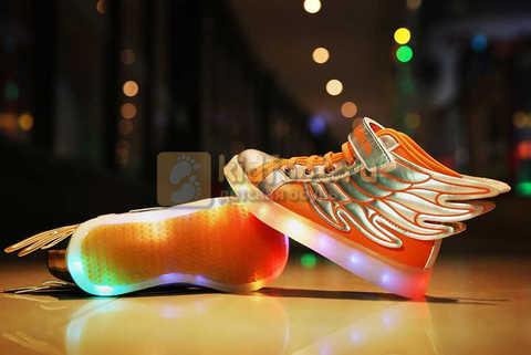 Светящиеся кроссовки с крыльями с USB зарядкой Бебексия (BEIBEIXIA), цвет оранжевый серебряный, светится вся подошва. Изображение 5 из 16.