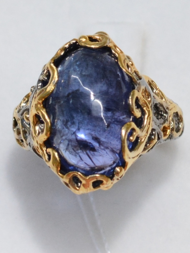 Танзанит-овал(серебряное кольцо с позолотой)