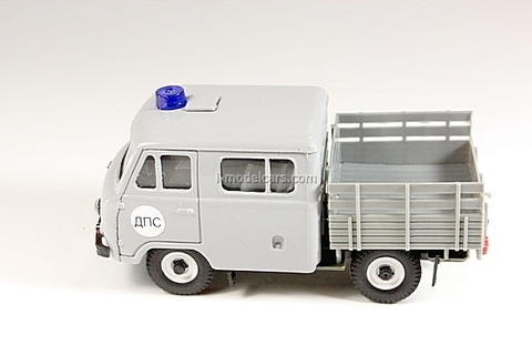 UAZ-39094 Farmer DPS Traffic Police gray Agat Mossar Tantal 1:43