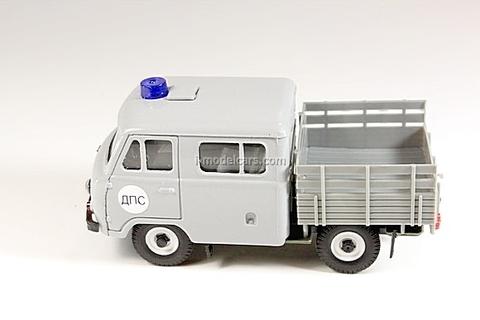 UAZ-39094 Farmer DPS Traffic Police gray Agat Mossar Tantal 1:43