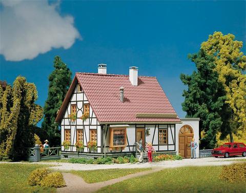 Faller 130215 Жилой дом с гаражом, 1:87