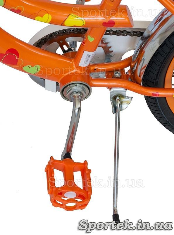 Велосипед Formula Flower 2017 - педаль и подножка