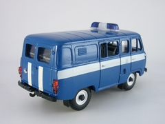 UAZ-39099 Communication 1:43 Agat Mossar Tantal