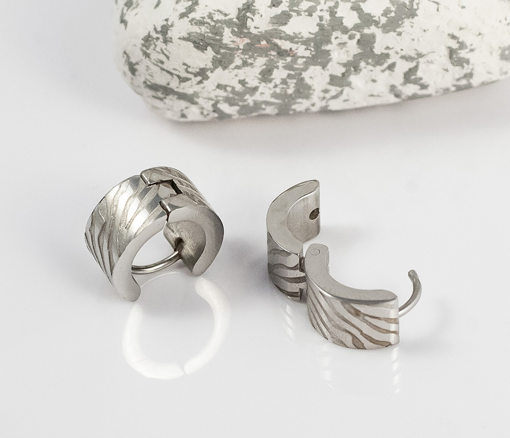 SE2715 Стальные мужские серьги кольца с гравировкой, «Spikes»